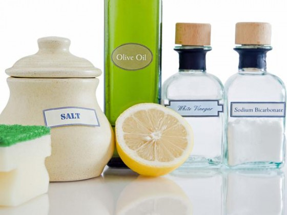 TS-133723140_Natural-Cleaning-Products2_s4x3_lg
